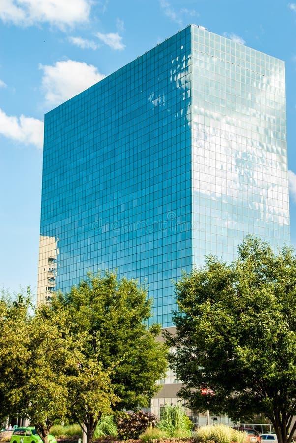 Edificio de oficinas de cristal moderno alto en St Louis Missouri fotos de archivo libres de regalías