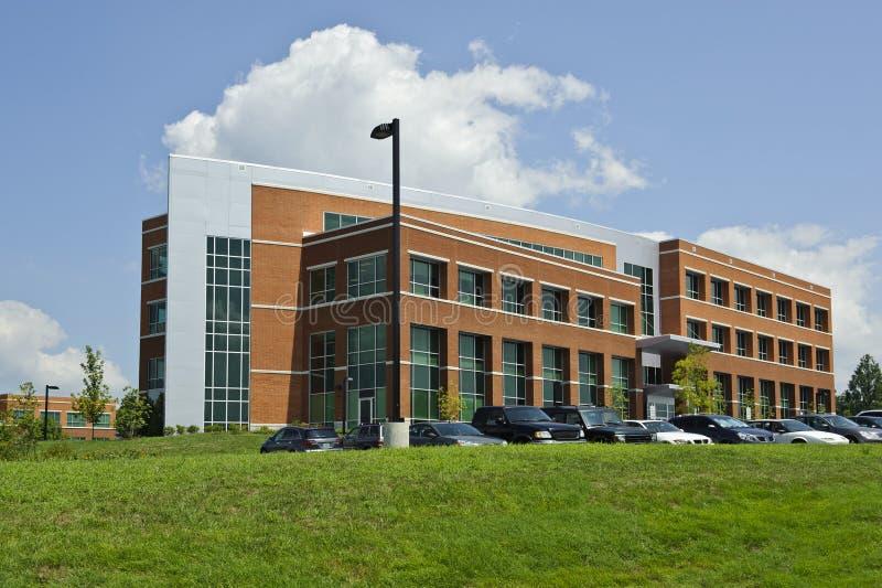 Edificio de oficinas genérico, escuela, hospital, edificio del gobierno foto de archivo libre de regalías