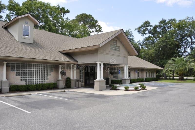 Edificio de oficinas médico imagen de archivo libre de regalías