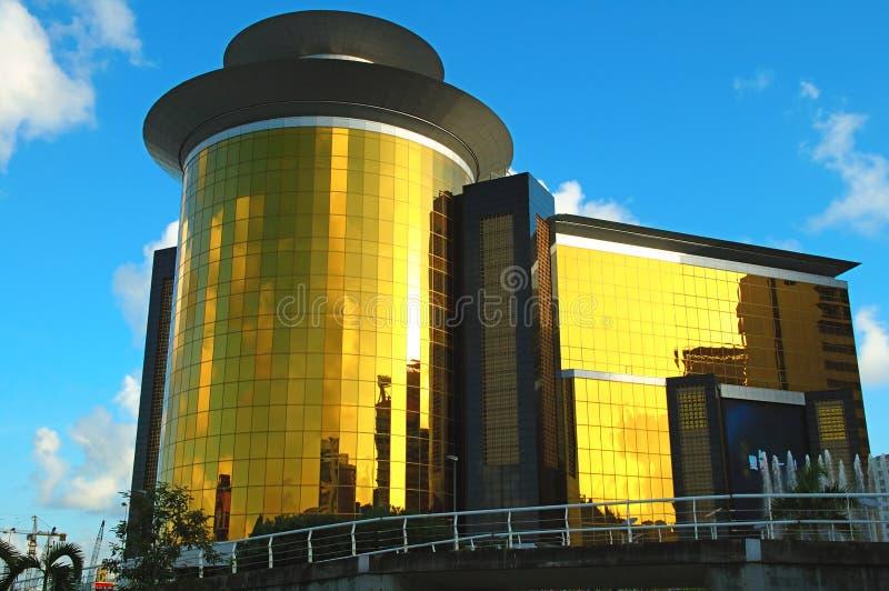 Edificio de oro imágenes de archivo libres de regalías