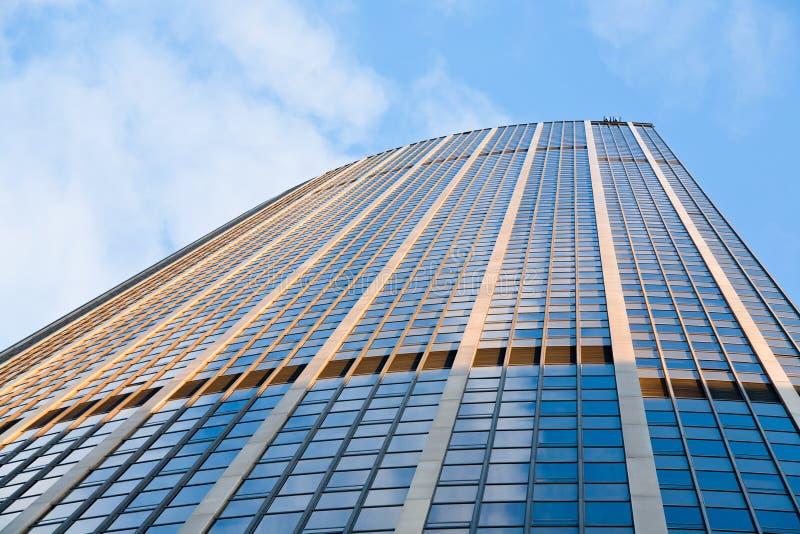 Edificio del alto cargo del vidrio y del metal fotografía de archivo