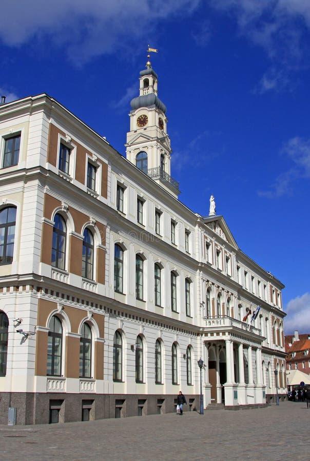 Edificio del Ayuntamiento de Riga en la ciudad Hall Square Riga, Latvia fotografía de archivo
