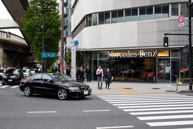 Edificio del Benz de Mercedes - tienda del coche de Alemania fotografía de archivo libre de regalías