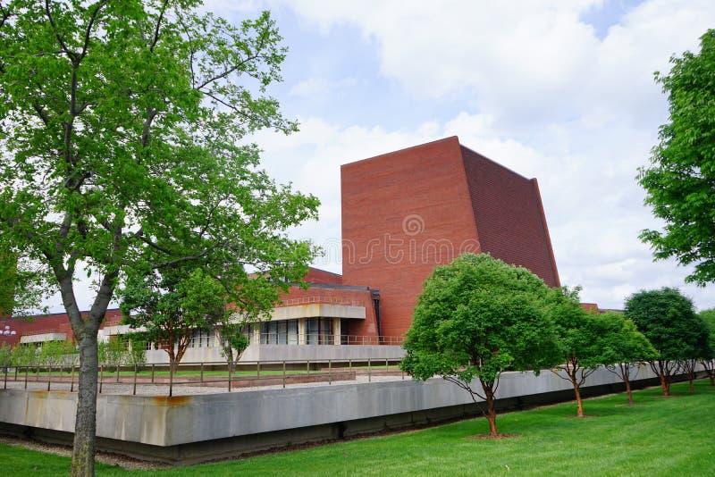 Edificio del campus de UIUC foto de archivo libre de regalías