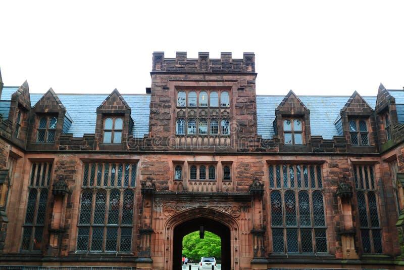Edificio del campus de Universidad de Princeton imagenes de archivo