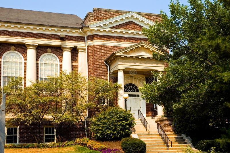 Edificio del campus universitario foto de archivo