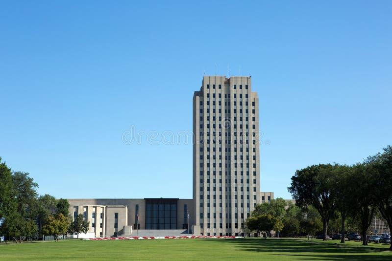 Edificio del capitolio del estado de Dakota del Norte imagenes de archivo