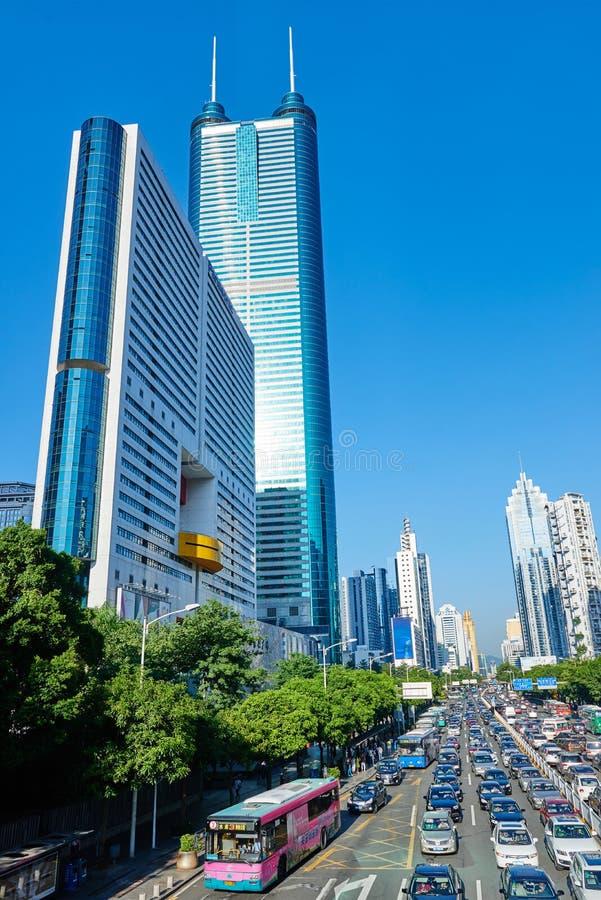 Edificio del centro financiero en la ciudad de Shenzhen imágenes de archivo libres de regalías