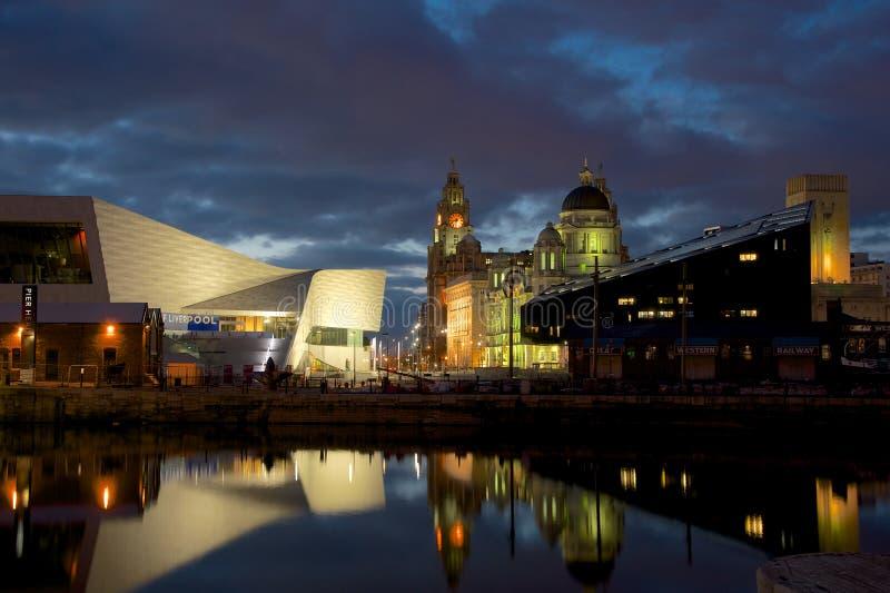 Edificio del hígado y museo reales de Liverpool imagenes de archivo