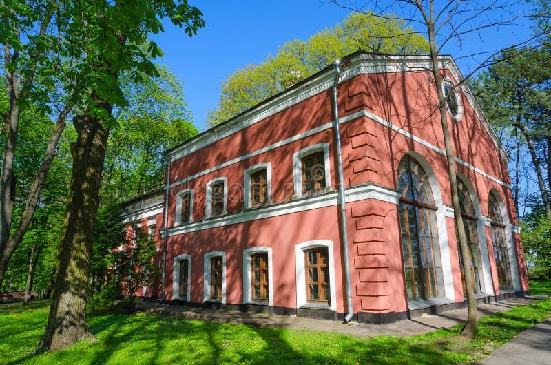 Edificio del invernadero y de x28; Palacio y parque Ensemble& x29 de Gomel; , Gome imagenes de archivo