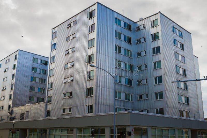 Edificio del metal en Alaska fotos de archivo