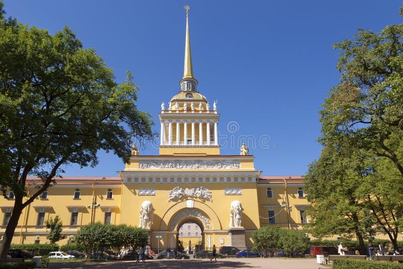 Edificio del Ministerio de marina en St Petersburg, imagen de archivo libre de regalías