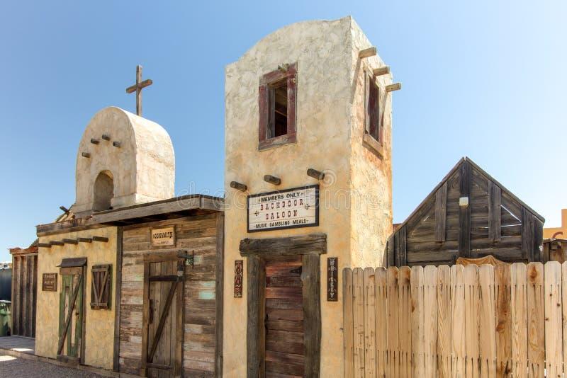Edificio del oeste salvaje del estilo en la piedra sepulcral Arizona fotografía de archivo