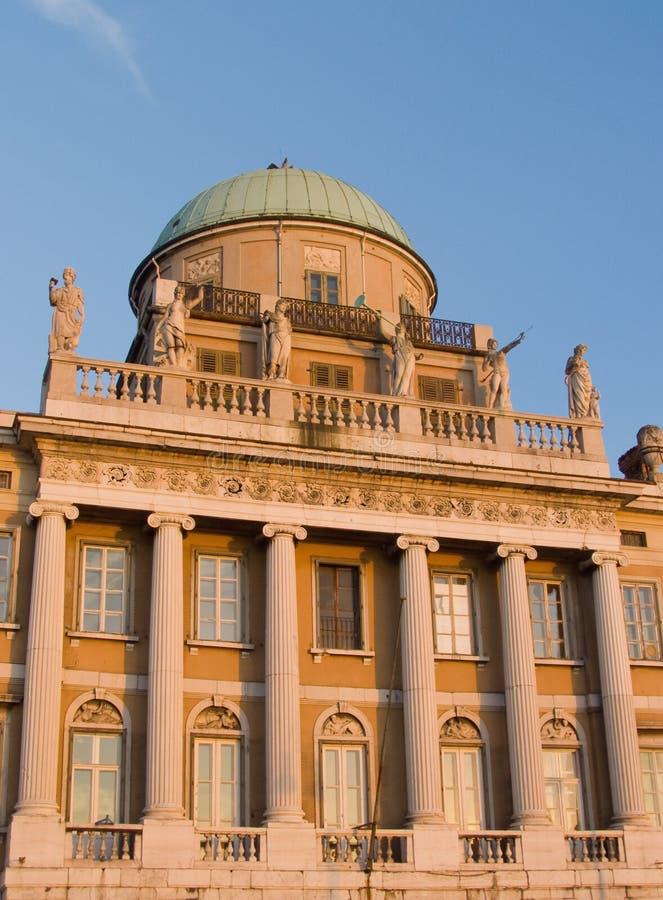 Edificio del palacio imagen de archivo libre de regalías