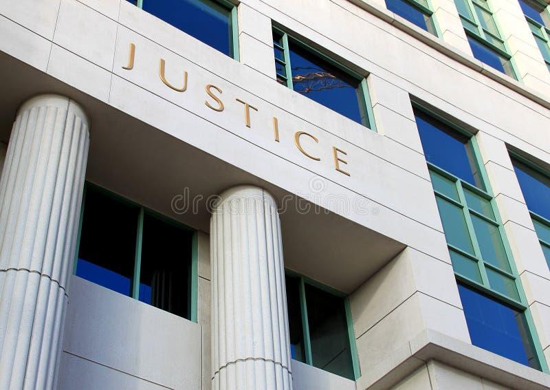 Edificio del Palacio de Justicia imagenes de archivo