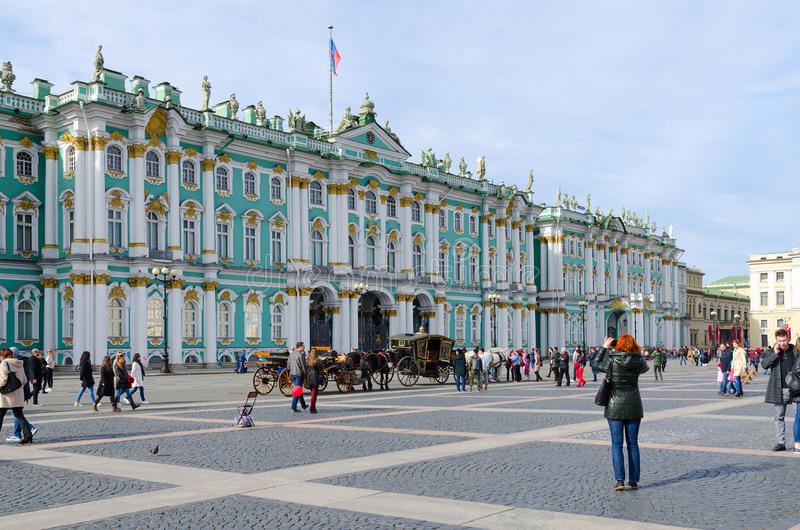 Edificio del palacio del invierno del museo de ermita del estado, cuadrado del palacio, St Petersburg, Rusia fotos de archivo libres de regalías