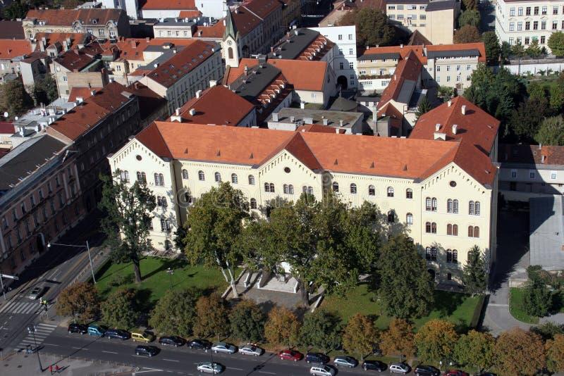 Edificio del ` s del rector de la universidad en Zagreb fotos de archivo