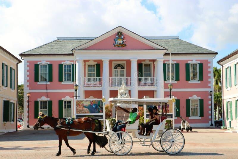 Edificio del senado de Bahamas imagenes de archivo