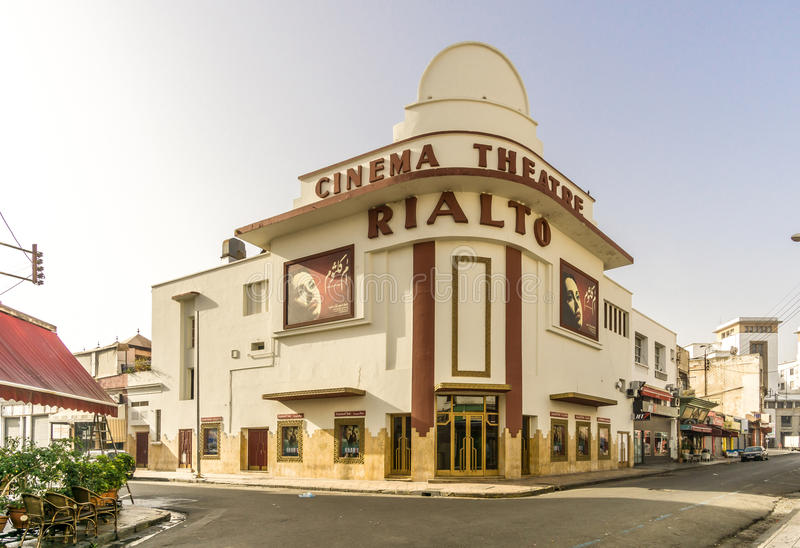 Edificio del teatro del cine en la ciudad de Casablanca - Marruecos fotos de archivo libres de regalías