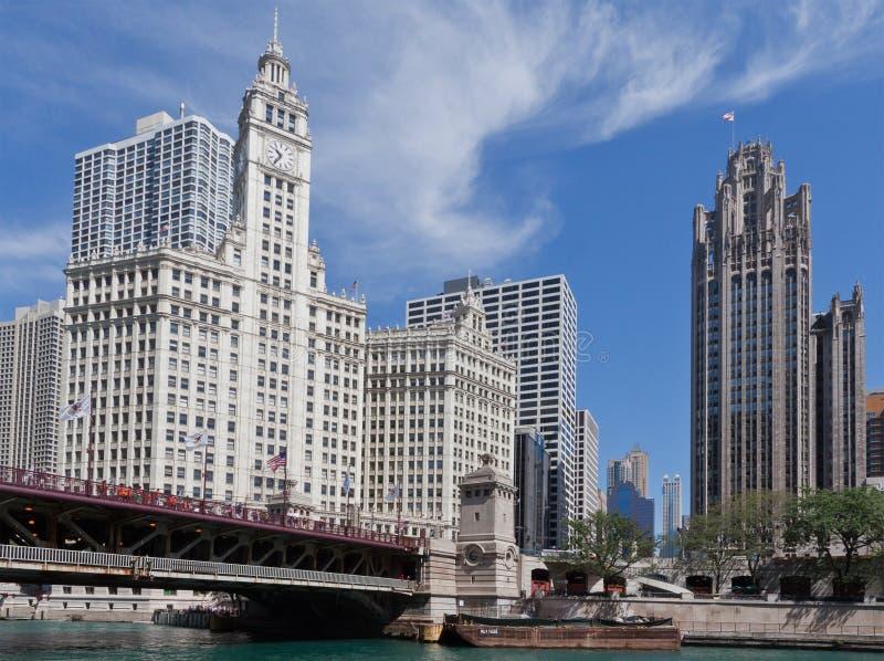 Edificio del Wrigley e Herald Tribune Chicago fotografia stock libera da diritti