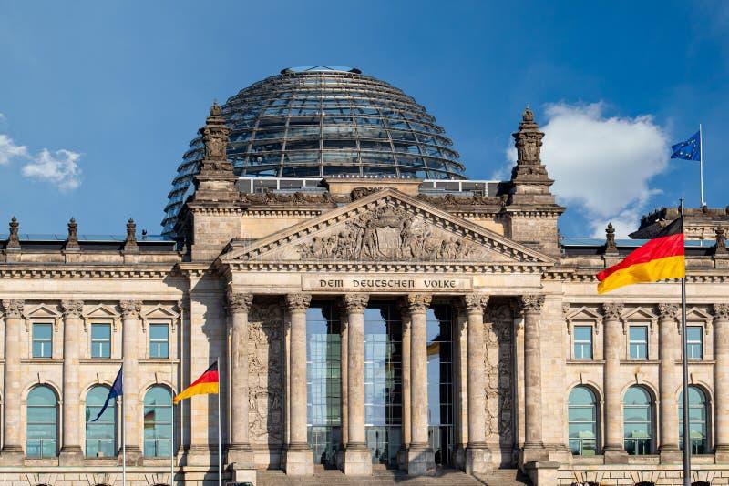 Edificio Deutscher Bundestag di Reichstag a Berlino, Germania immagini stock