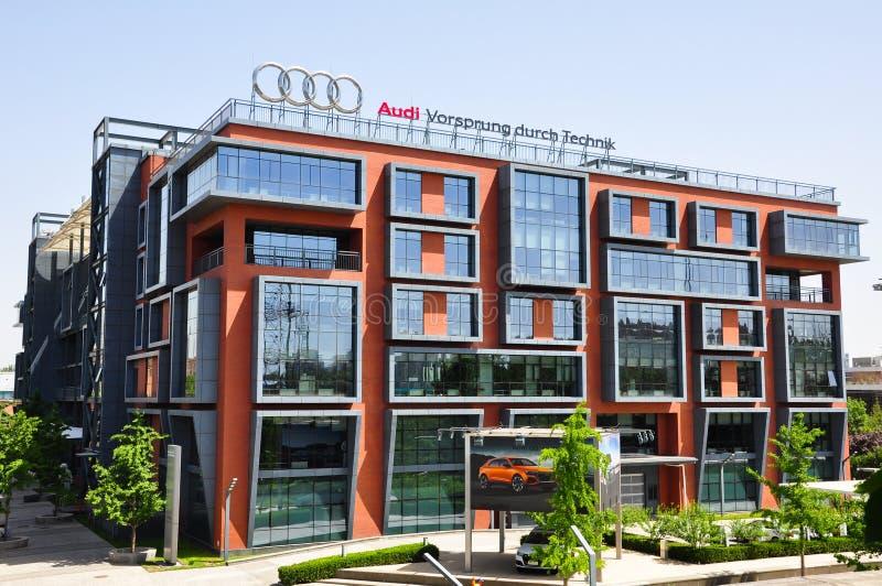 Edificio di Audi Modern fotografie stock