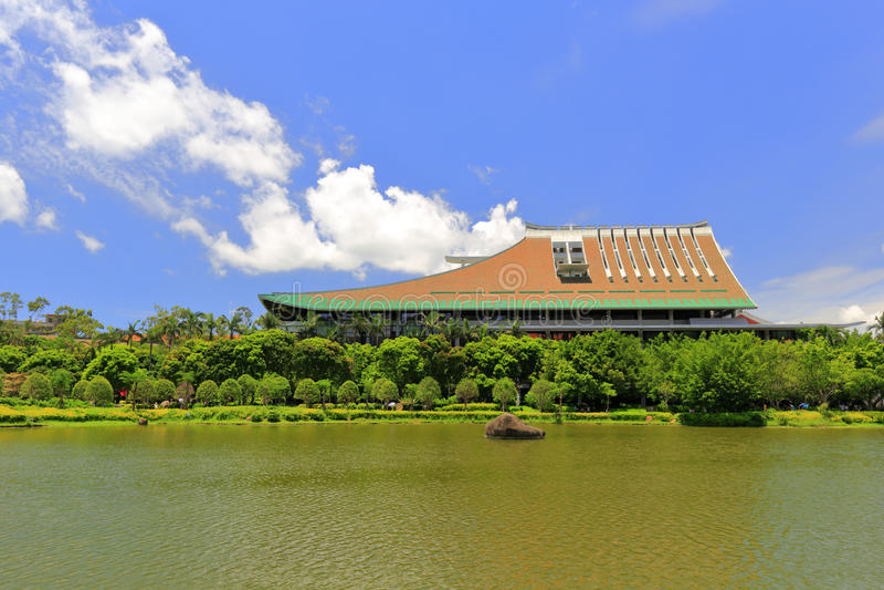 Edificio di Enminglou, centro di scienza e tecnologia dell'università di xiamen immagini stock libere da diritti