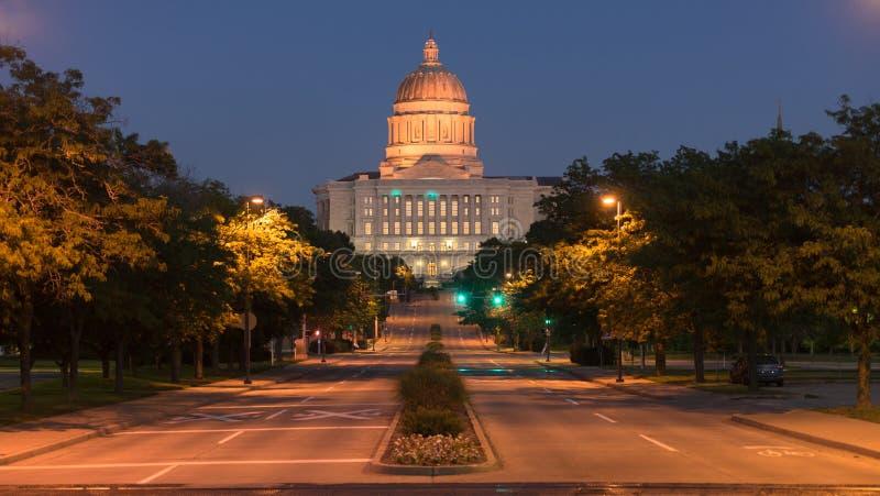Edificio di Jefferson City Missouri State Capital di vista della via fotografie stock