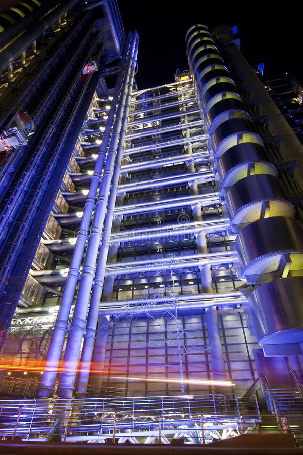 Edificio di Lloys alla notte immagini stock libere da diritti