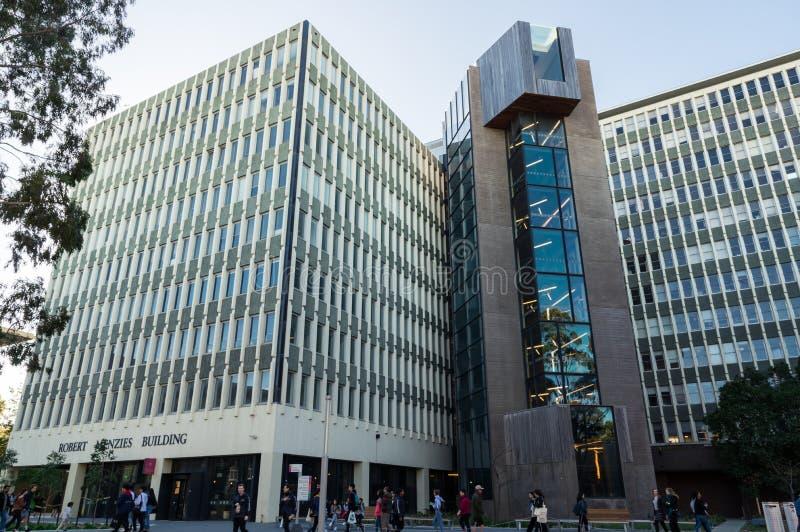 Edificio di Menzies sulla città universitaria di Clayton dell'università di Monash a Melbourne fotografia stock libera da diritti