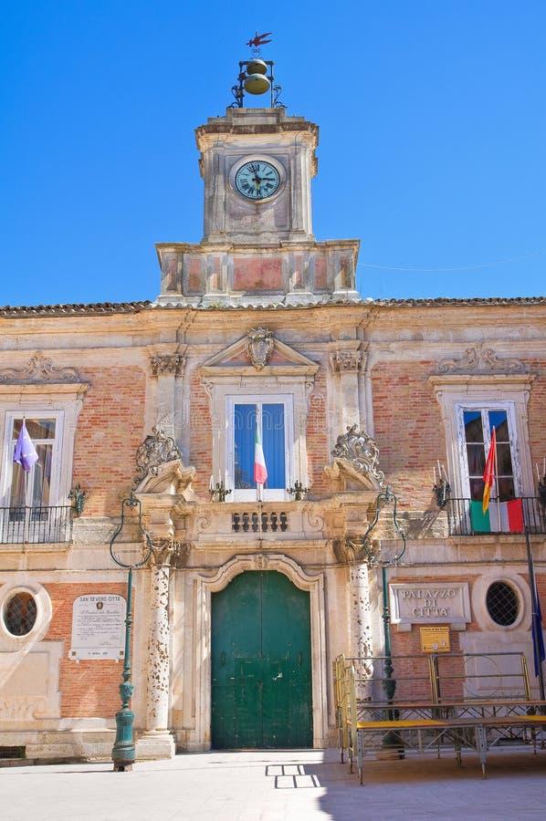 Edificio di municipio San Severo La Puglia L'Italia fotografia stock libera da diritti
