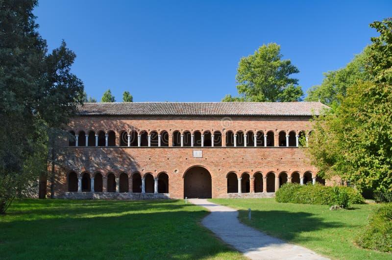 Edificio di Ragione di della di Palazzo accanto al Pomposa Abbey Monastery fotografia stock libera da diritti