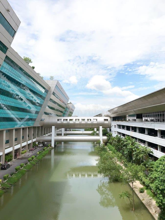 Edificio di Ratthaprasasanabhakti, il complesso di governo, Bangkok, immagine stock libera da diritti