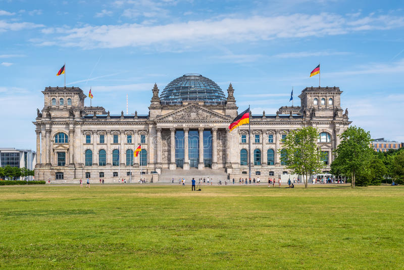 Edificio di Reichstag a Berlino, Germania fotografie stock