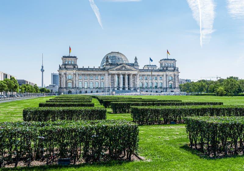 Edificio di Reichstag a Berlino, Germania, punto d'incontro del Parlamento tedesco Bundestag fotografia stock