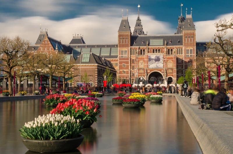 Edificio di Rijksmuseum ed IO segno di AMSTERDAM, Amsterdam, Paesi Bassi immagine stock libera da diritti