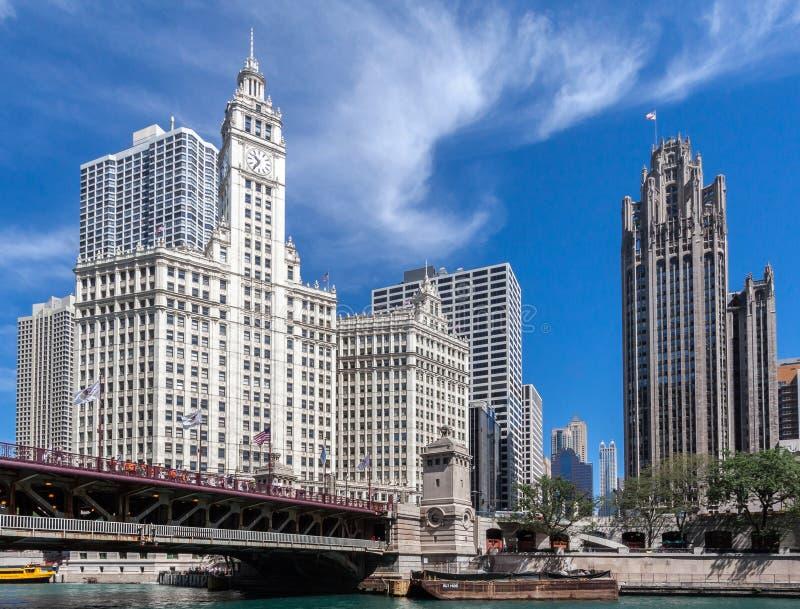 Edificio e Herald Tribune di Wrigley in Chicago immagini stock libere da diritti