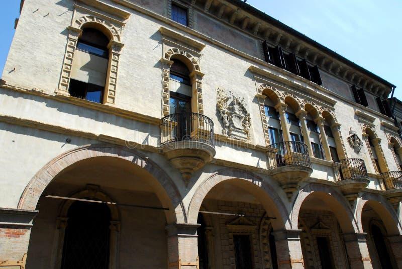 Edificio elegante, histórica encendido vía San Francisco en Padua en el Véneto (Italia) fotografía de archivo