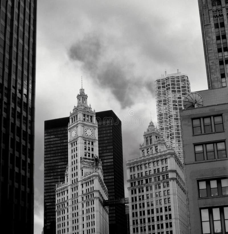 Edificio en blanco y negro fotos de archivo libres de regalías