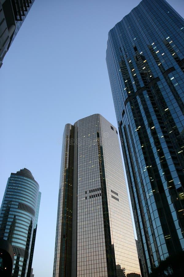 Edificio en el amanecer foto de archivo