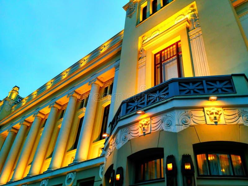 Edificio en luz imagen de archivo libre de regalías