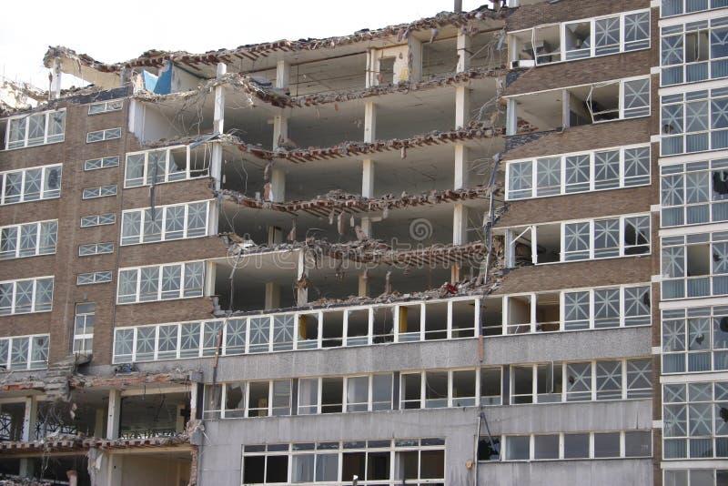 Edificio en parte demolido imagen de archivo