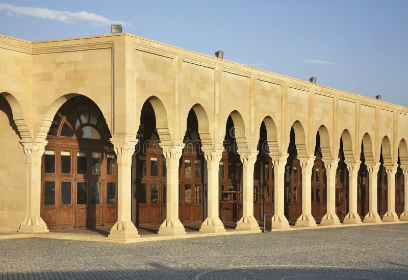 Edificio en Suraxanı cerca de Baku azerbaijan fotografía de archivo libre de regalías