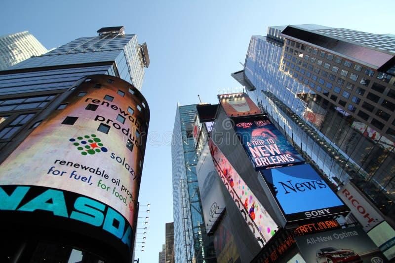 Edificio en Times Square, NYC del Nasdaq fotos de archivo