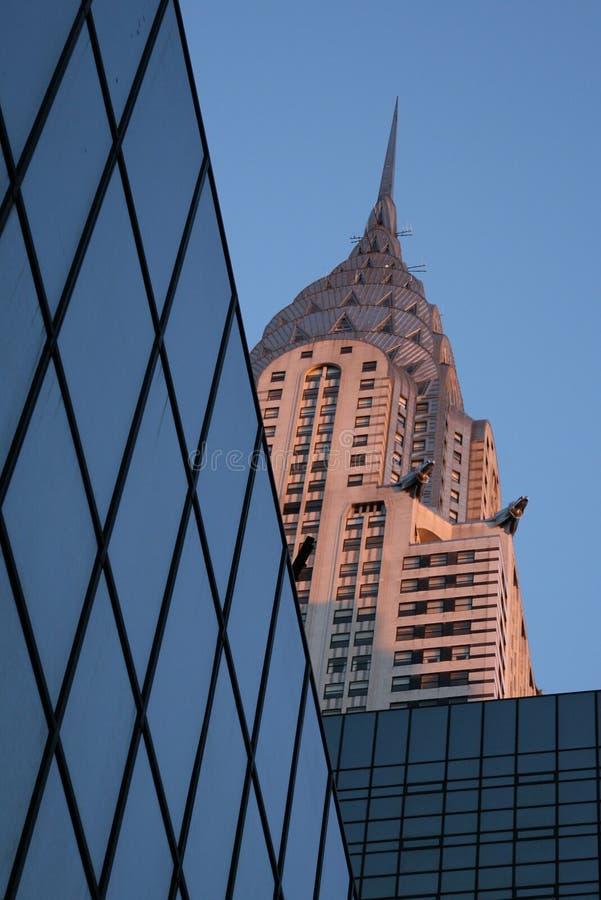 Download Edificio encajonado foto de archivo editorial. Imagen de ángulo - 7276318