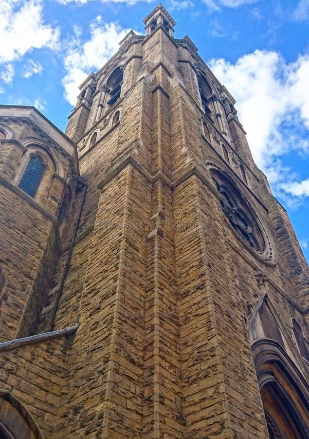 Edificio europeo del estilo del edificio antiguo alto foto de archivo libre de regalías