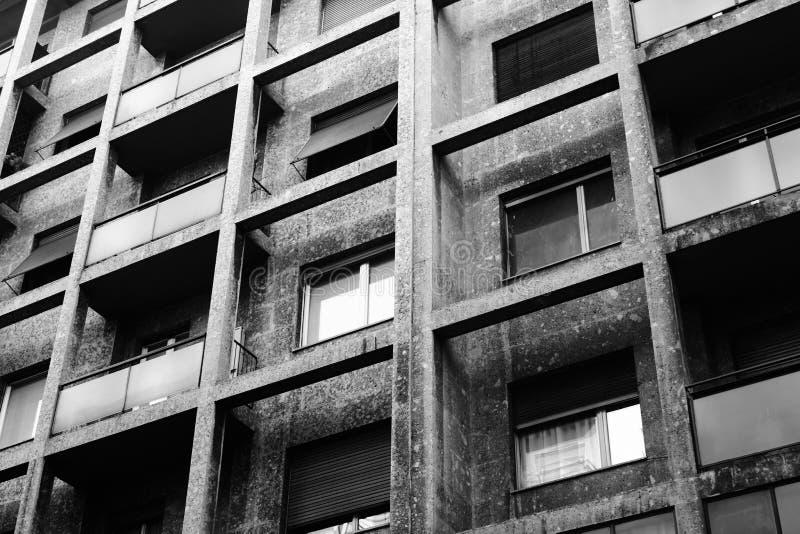 Edificio geométrico imagen de archivo libre de regalías