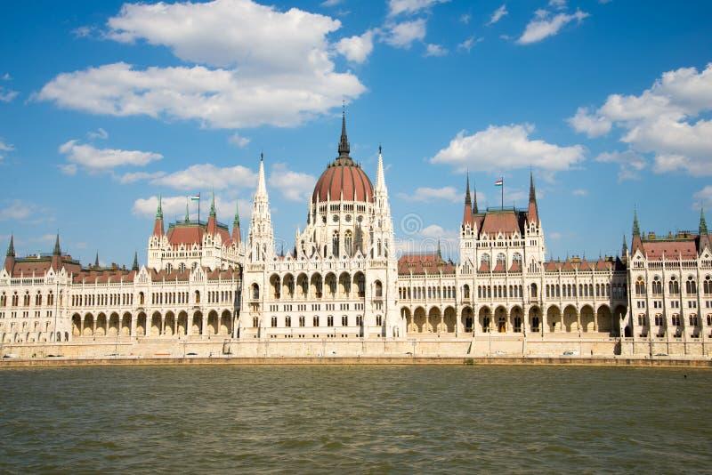 Edificio húngaro del parlamento del Danubio fotografía de archivo