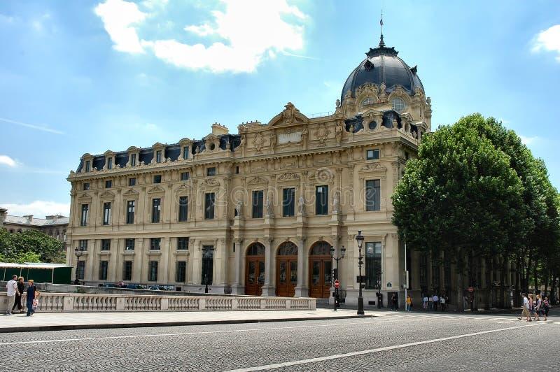 Download Edificio histórico foto de archivo. Imagen de francia, antiguo - 180532