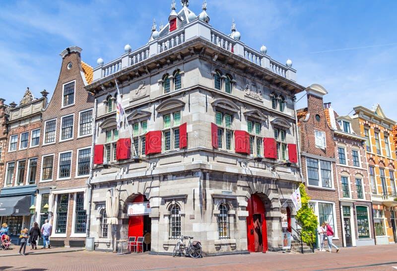 Edificio histórico el Waegh en la ciudad Haarlem en los Países Bajos fotografía de archivo libre de regalías